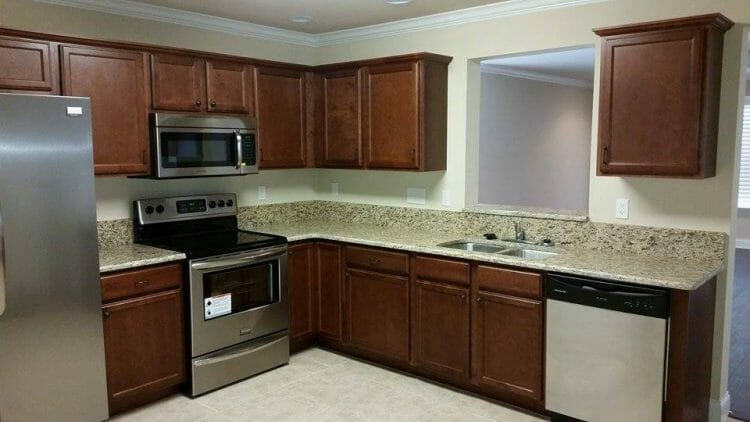 Gainesville, FL Custom Kitchen Cabinets - Kitchen & Bath Solutions - Service Custom