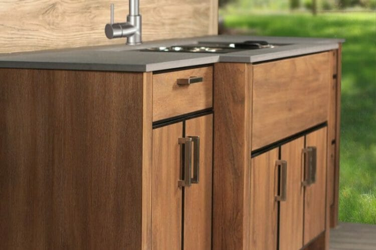 Traditional Wood Finish Outdoor Kitchen | Springhill Kitchen & Bath | Custom, Budget, & Commercial Cabinetry | Gainesville, FL | Featuring NatureKast Outdoor Cabinetry