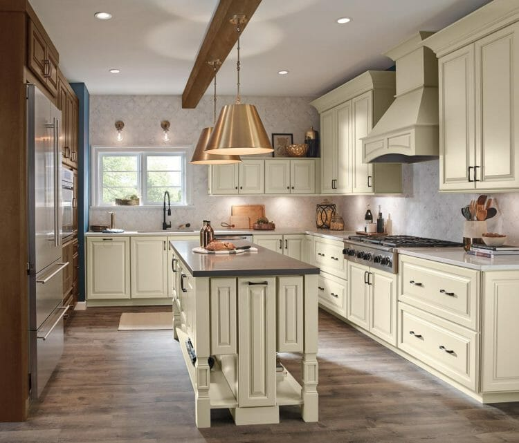 Evolved Elegance Traditional Kitchen | Springhill Kitchen & Bath | Custom, Budget, & Commercial Cabinetry | Gainesville, FL | Featuring Waypoint Living Spaces
