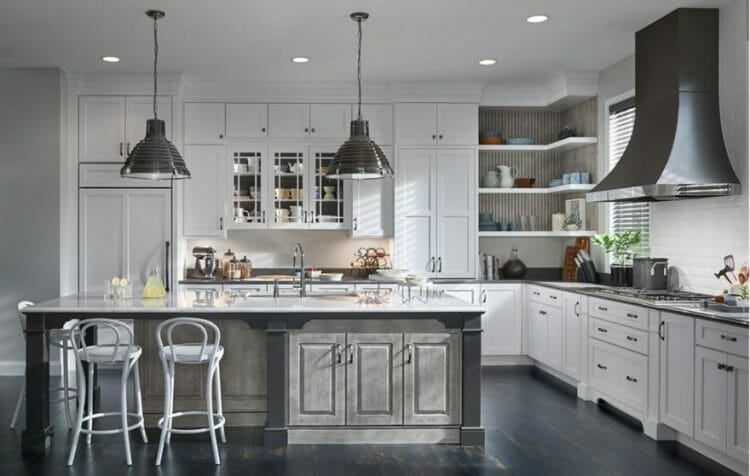 Classic Traditional Farmhouse Kitchen | Springhill Kitchen & Bath | Custom, Budget, & Commercial Cabinetry | Gainesville, FL | Featuring Medallion Cabinetry