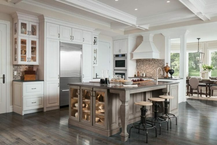 Madison Cherry Traditional Kitchen | Springhill Kitchen & Bath | Custom, Budget, & Commercial Cabinetry | Gainesville, FL | Featuring Medallion Cabinetry