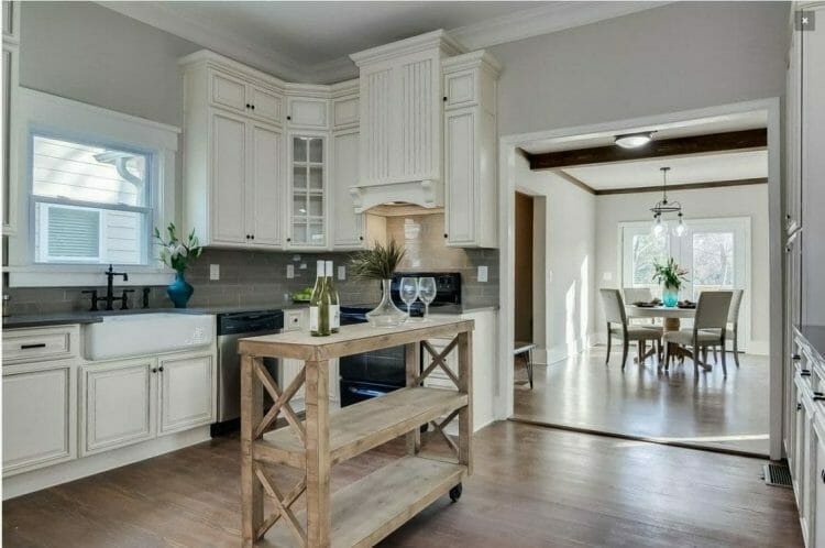 Signature Pearl Farmhouse Kitchen | Springhill Kitchen & Bath | Custom, Budget, & Commercial Cabinetry | Gainesville, FL | Featuring Forevermark Cabinetry